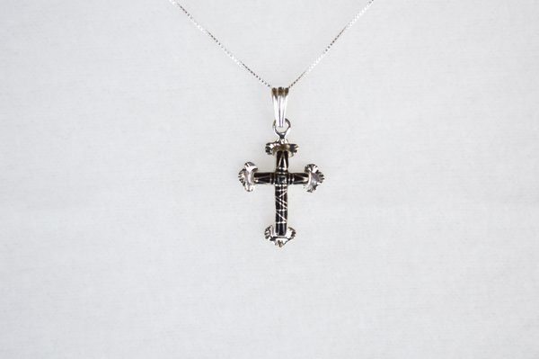 "Sterling silver black onyx inlay cross pendant with sterling silver 18"" box chain. N103."