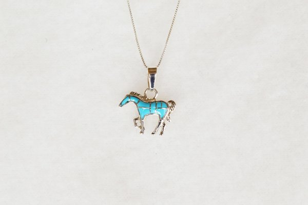 """Sterling silver turquoise inlay horse pendant with sterling silver 18"""" box chain. N085."""