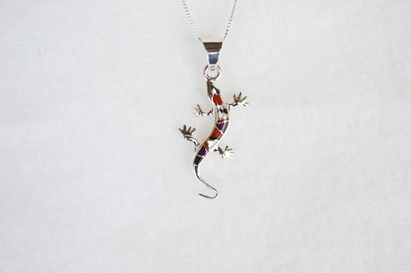 "Sterling silver multi color inlay lizard pendant with sterling silver 18"" box chain. N110."