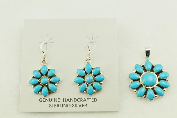 Sterling silver turquoise flower earrings and pendant set. S250