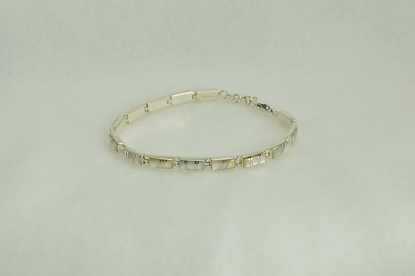 """Sterling silver mother of pearl inlay rectangle 7.5 """" link bracelet. B017"""