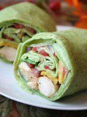 GRILLED CHICKEN AND GUACAMOLE WRAP