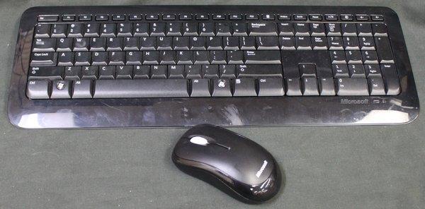 Microsoft Wireless Desktop 800 Keyboard Mouse and Receiver 2LF-00002