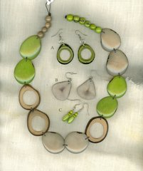 Tagua Necklace - Key Lime Pie