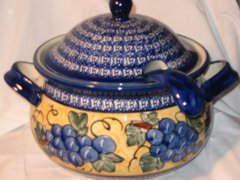 Boleslawiec Soup Tureen Grapes