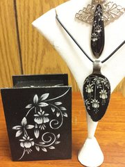 Black and White Gift Sets