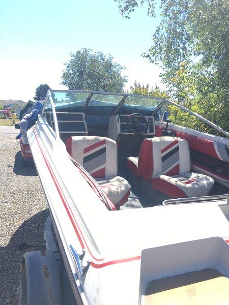 18' Larson Ski Boat with Motor