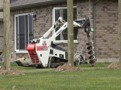 Post Hole Digger, Hydraulic Attachment (Bobcat Mini-Track)