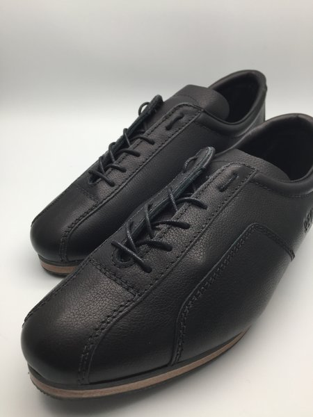 Men's Classic Road - All black leather, stitching, lining and ...