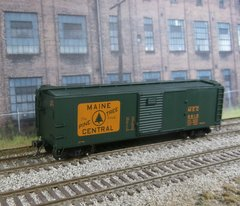 RED CABOOSE #RR-37160-30 MAINE CENTRAL #5612 X-29 BOXCAR