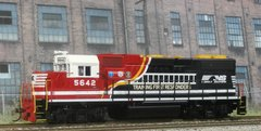 ATHEARN R-T-R HO NORFOLK SOUTHERN #5642 FIRST RESPONDERS GP38-2 NCE DCC