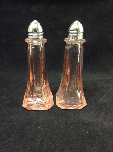 """Pink Peach Glass 4.5"""" Salt and Pepper Shakers"""
