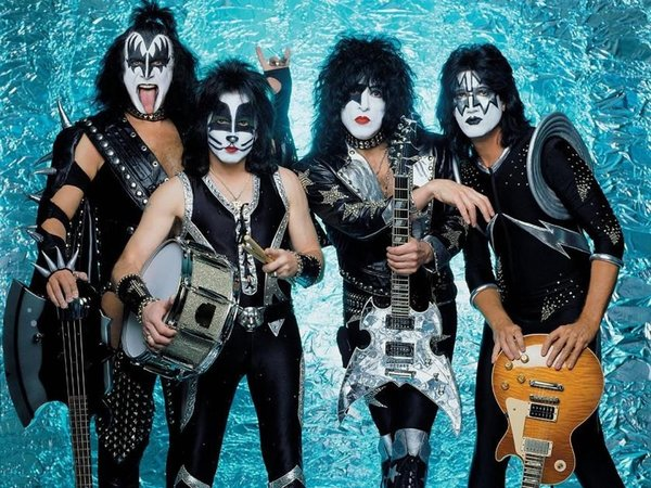 Kiss Band 4