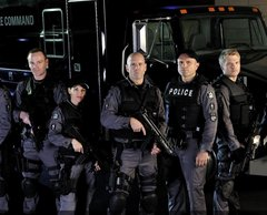 Flashpoint Cast Photo 001