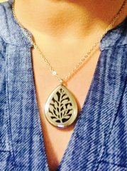 Diffuser Locket for Essential Oils Leaves in Tear Drop Shape