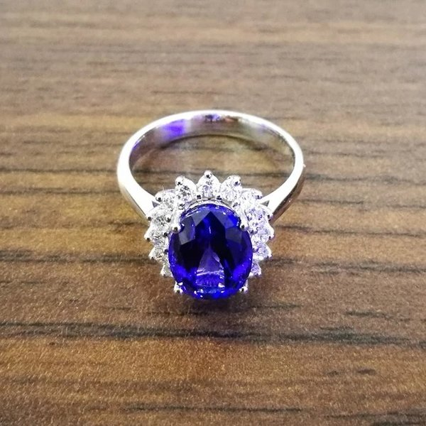diamond oval in and with gold halo rings milgrain detail aaa htm carat ring white engraving jewelry signature tanzanite