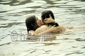 COLOR POSTER 24X36 : Kissing COUPLE in Pond by Barry Z Levine