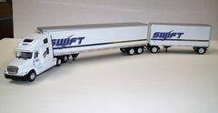 TONKIN Swift Transportation Freightliner Columbia & COLORADO Doubles 1/53
