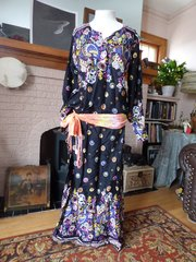 Belly Dance Dress, Abaya, Bellydance Caftan Black with Cute Designs in bright Colors