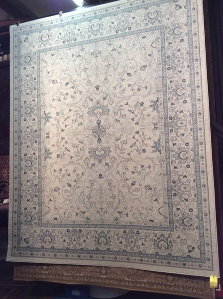 Light Subdued antique 8x11 Machinemade Rug