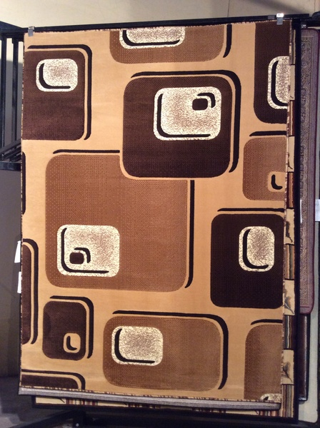 Creme 3-D 5x8 machine-made rug