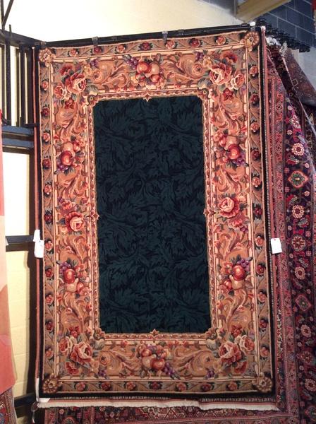 Hunter green hand hooked 5x8 wool rug