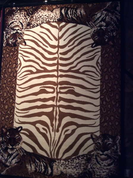 Tiger safari 8x11 machine-made rug