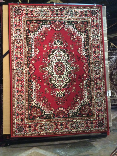 Red Persian design 8x11 machinemade rug