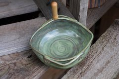 Green boat dip dish