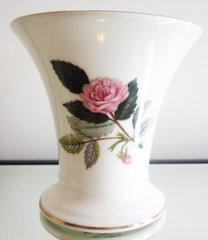 Wedgewood Hathaway Rose Vase