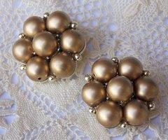 Vintage LISNER Clip Earrings - Gold Bead Cluster