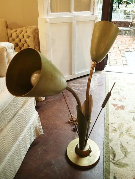1950's Vintage Botanical Cat o Nine Tail Lamp