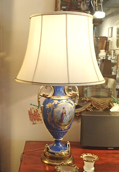 French Neoclassical Hand Painted Porcelain Urn Shaped Table Lamp, 22K Gold Paint, Solid Brass Base