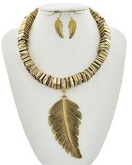 Gold Tone Leaf Pendant Necklace Set