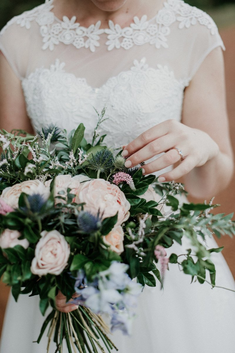 Brisbane wedding florist affordable cheap flowers including we also have a hire option for vases and welcome signs please send us an email to find out more izmirmasajfo