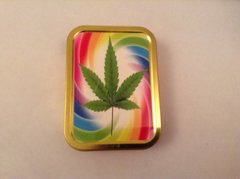 Green leaf swirl 2oz tin