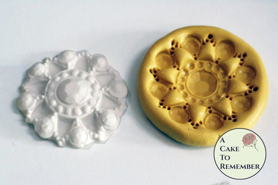 Sugar brooch mold for cake decorating, cupcake decorating, or polymer clay mold M5003
