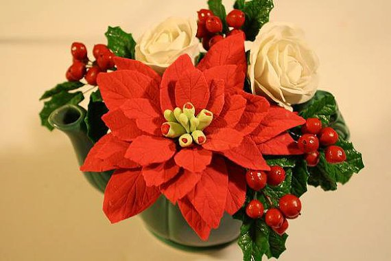 Gumpaste Poinsettia For Cake Decorating, Sugar Poinsettias