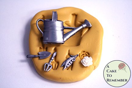Gardening silicone mold for cake decorating and cupcake toppers. M5239