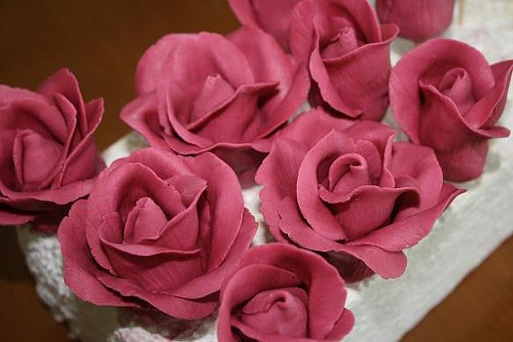 Colored gumpaste roses, sugar roses for cake decorating, cake decorating supplies, sugar flowers.