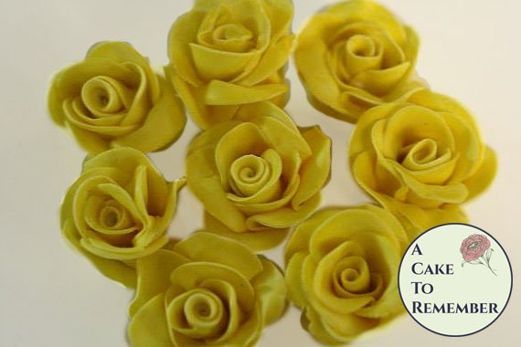 Little gumpaste roses for cake decorating