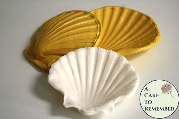 "4"" Clam shell silicone mold and press for cake decorating, polymer clay, gumpaste or fondant. M40"