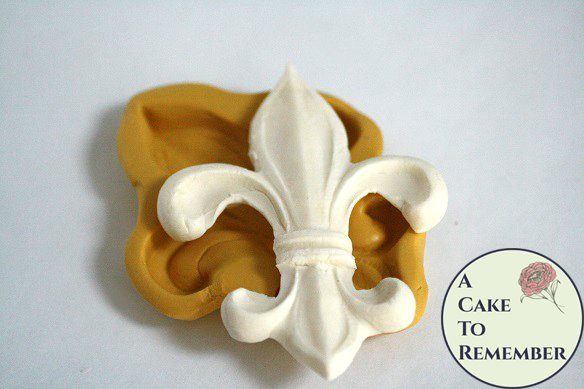 "Large Fleur de Lis silicone mold, about 3"" wide. Fondant or gumpaste mold. Good for making a Mardi Gras or Saints WHO DAT cake topper M5112"