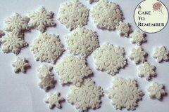 Gumpaste snowflakes, lacy snowflakes for cake decorating