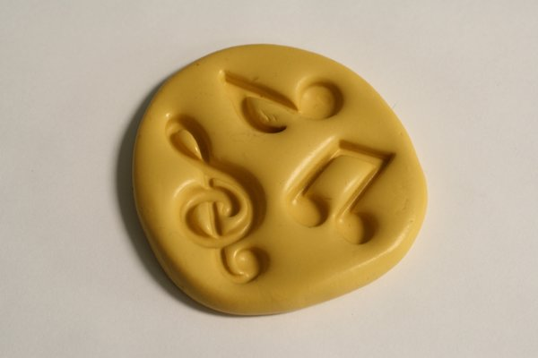 SLIGHTLY IMPERFECT music note mold