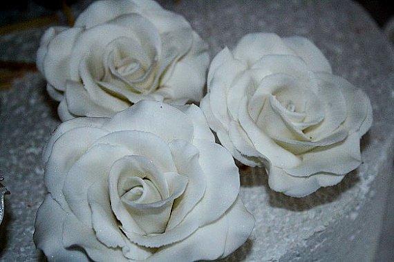 Large gumpaste roses, white sugar roses for cake decorating
