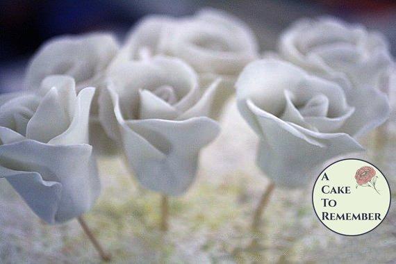 White gumpaste rose, sugar rose for cake decorating, cake decorating supplies, sugar flowers.