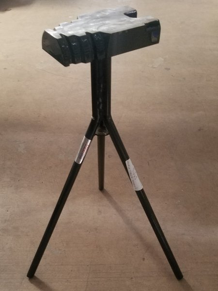 """Yoder Stall Jack - Small (21"""")"""