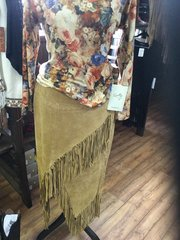 Scully ladies leather fringe skirt