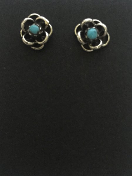 Post flower sterling & turquoise studs